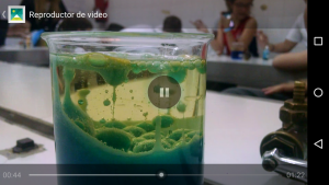 video-agua-aceite-colorante